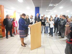 Madame Margarido ouvre la cérémonie des discours